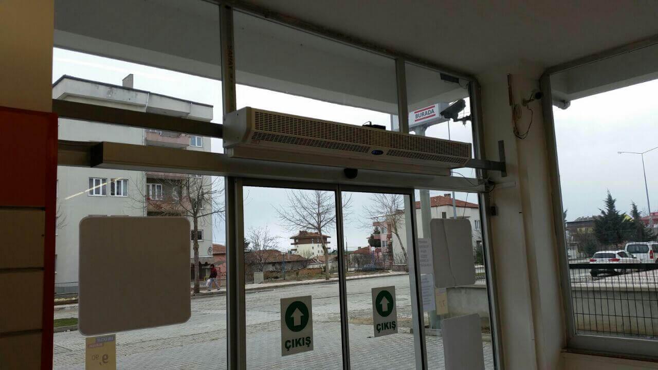 BİM giriş kapısı hava perdesi montajı